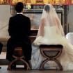 Trauung-Kirche-Hochzeit-Brautpaar-Foto